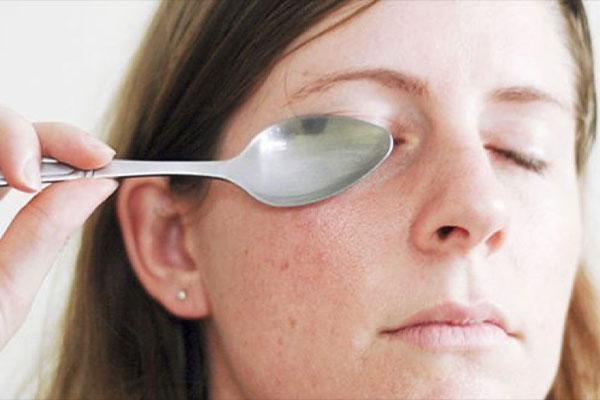 อวสานรอบตาคล้ำ 5 วิธีดูแลผิวรอบดวงตาสุดเริ่ดที่ต้องทำเป็นประจำ