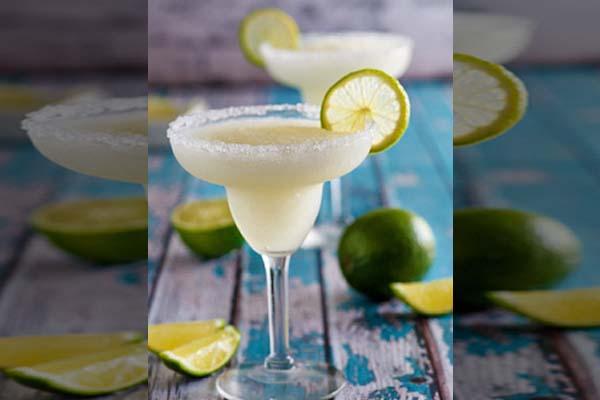 ผลการค้นหารูปภาพสำหรับ Margarita cocktail